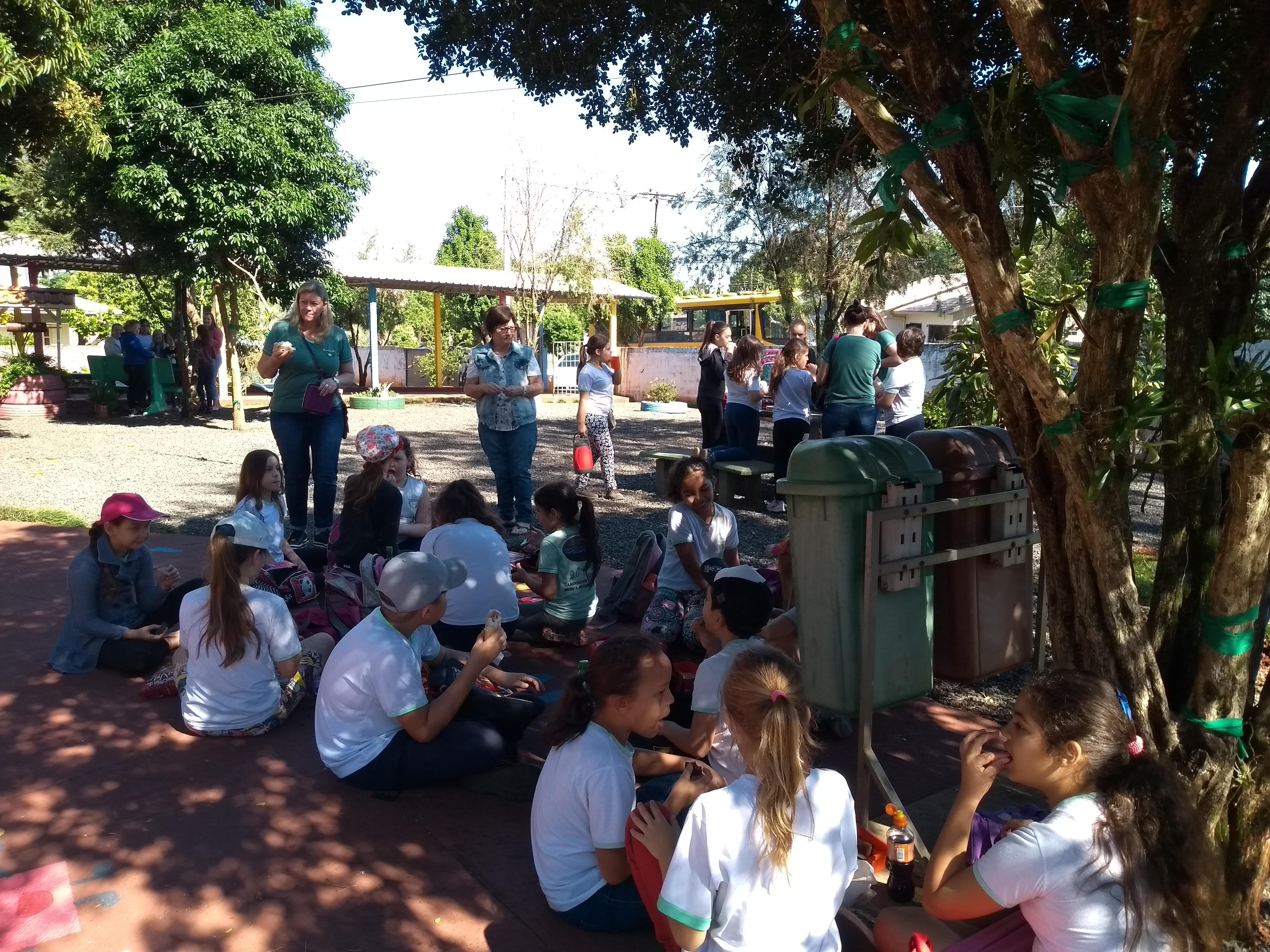 Alunos participam de passeio integrante do Projeto Conhecendo Missal
